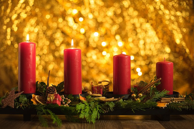 Photo by SKPhotography. https://pixabay.com/photos/advent-christmas-candles-2995867/